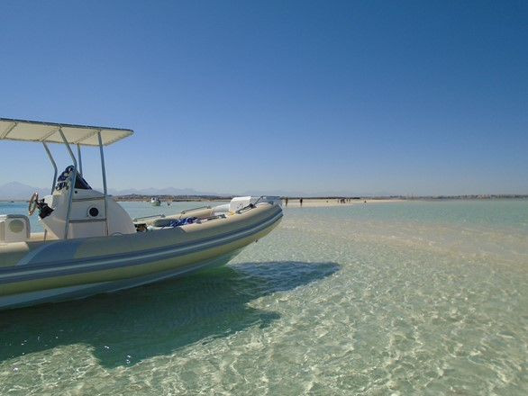 visit natural islands in Hurghada with Bullet Speedboats